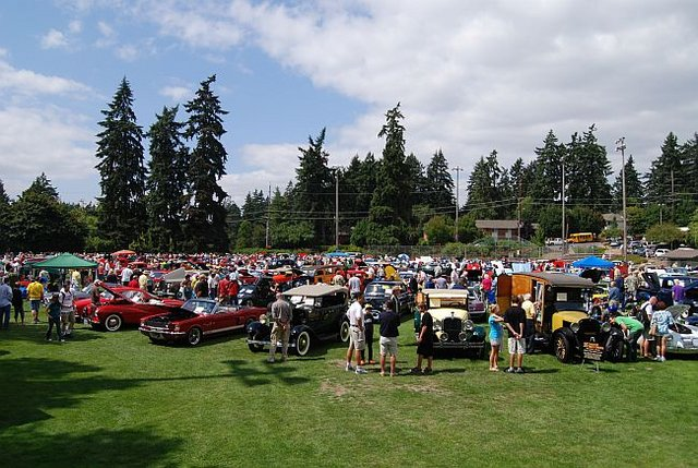 Oswego Heritage Council's Collector Car and Classic Boat Show Pic